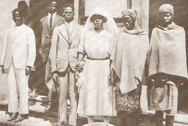 Illustration 2 Religious wedding as image of assimilation discourse Jos