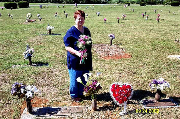 Grave Tending With Mom At The Cemetery Ellis Forum Qualitative